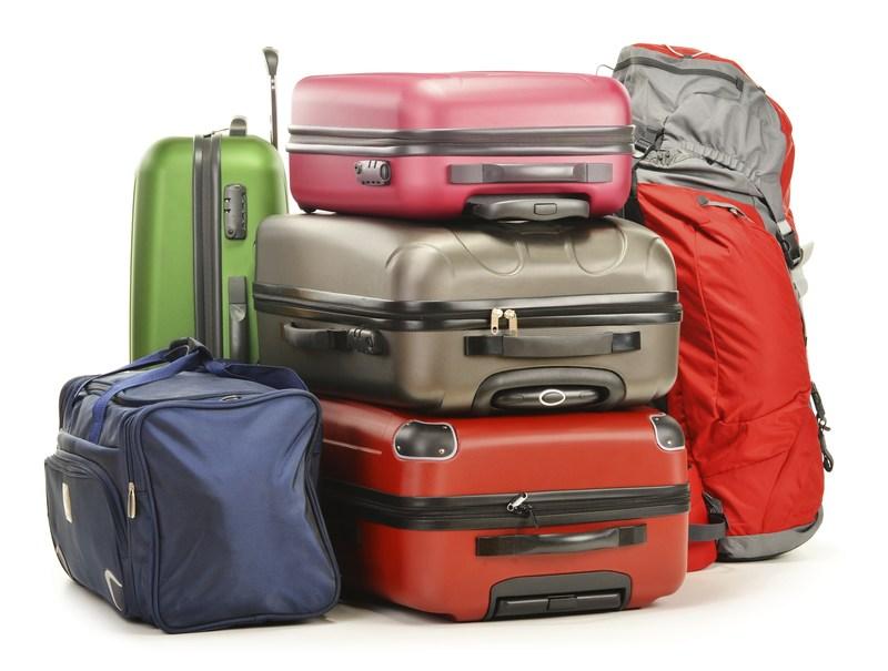 Voyage : devez-vous choisir une valise rigide ou souple ?